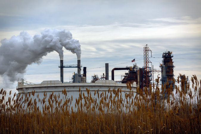 Judge to Decide if Environmental Groups Can Intervene in NJ-Exxon Refinery Settlement