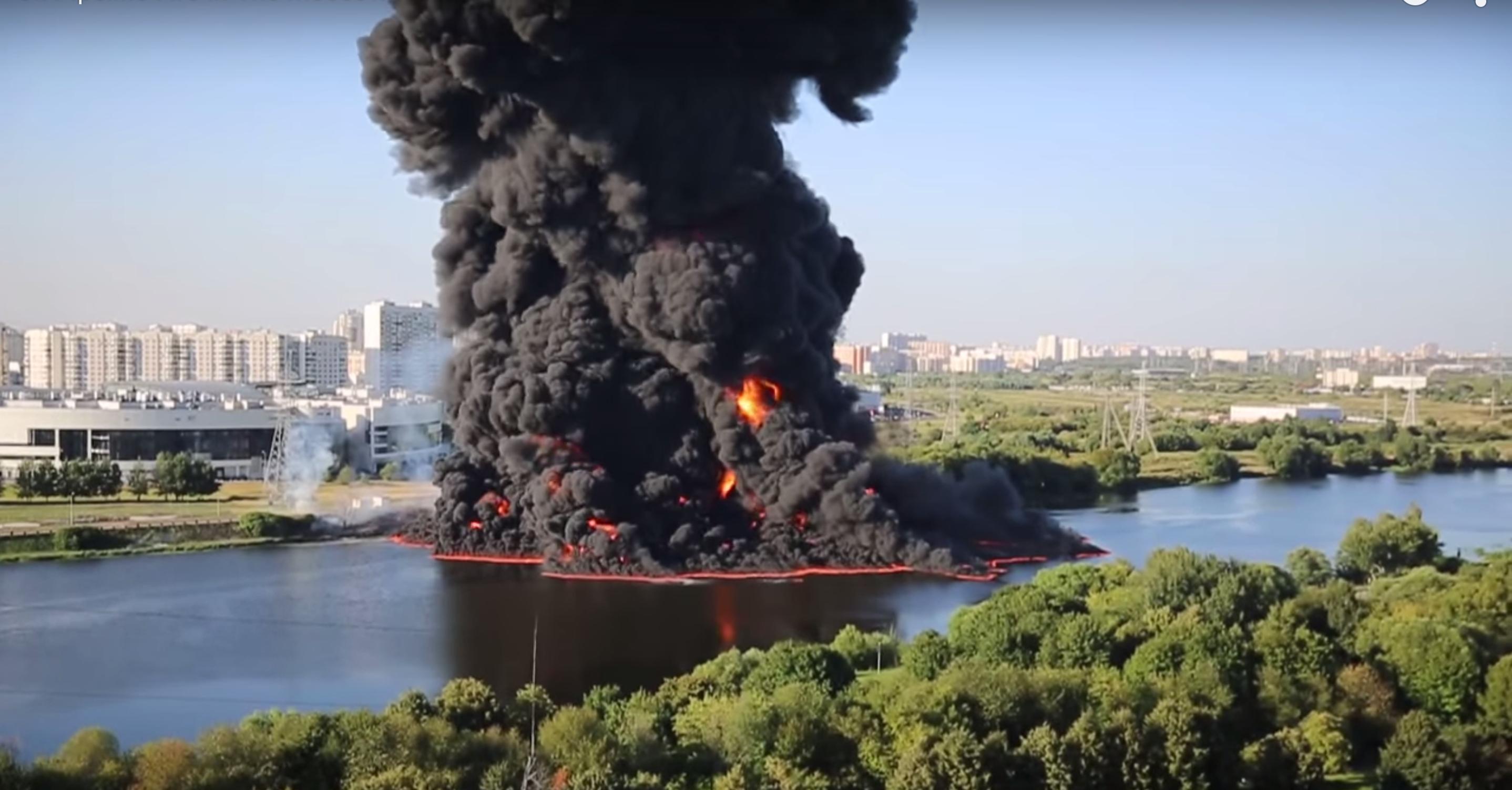 Massive Transneft Pipeline Rupture Sets Moscow River Ablaze