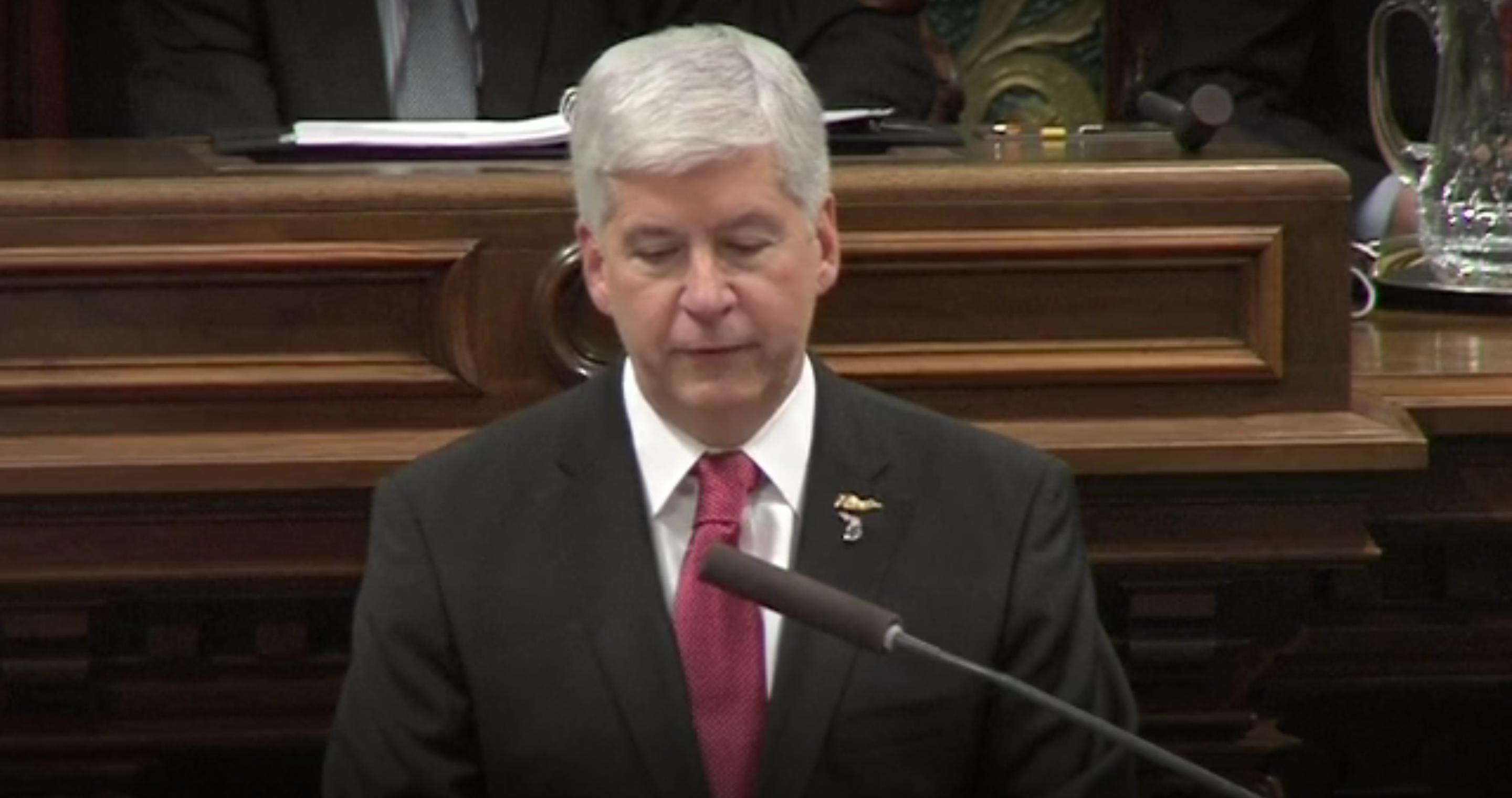 EnviroNews Poll: Is Gov. Snyder's Apology to Flint Worth Its Weight in Air?