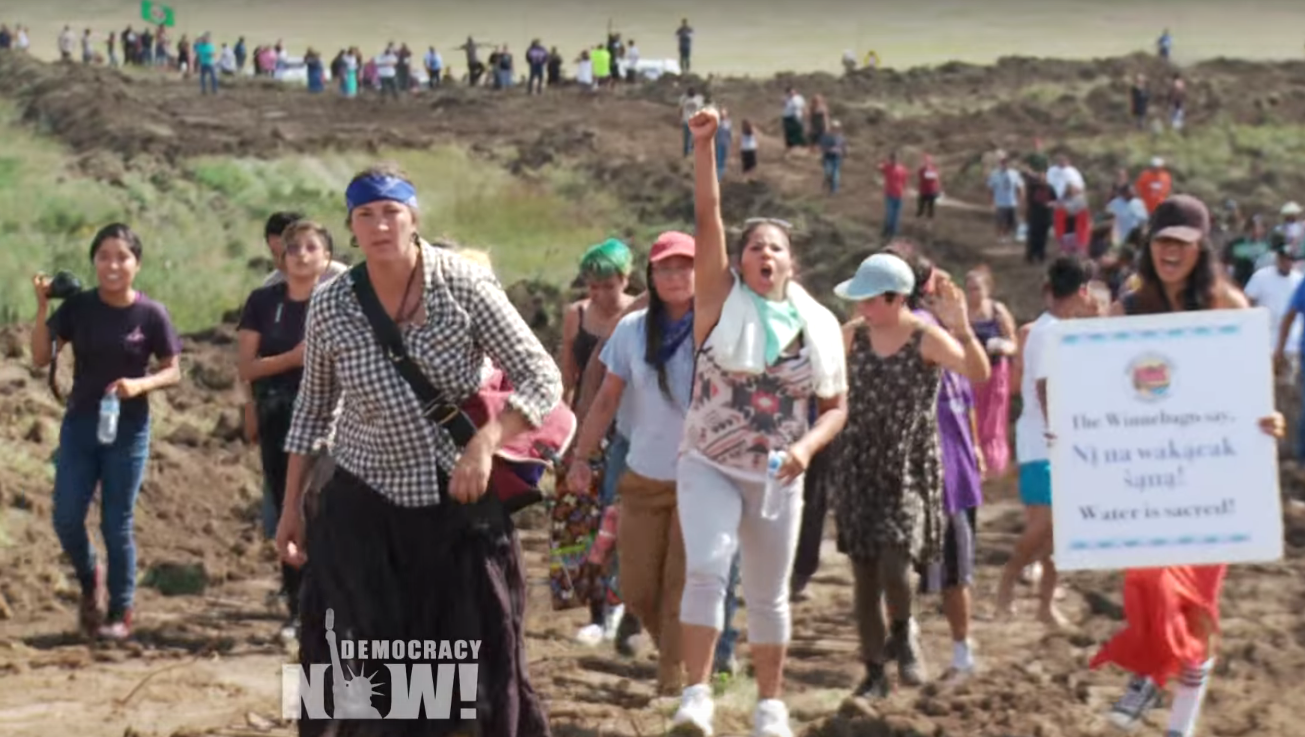 Attack Dogs and Pepper Spray Deployed on Native American 'Protectors' in Dakota Access Pipeline Fight