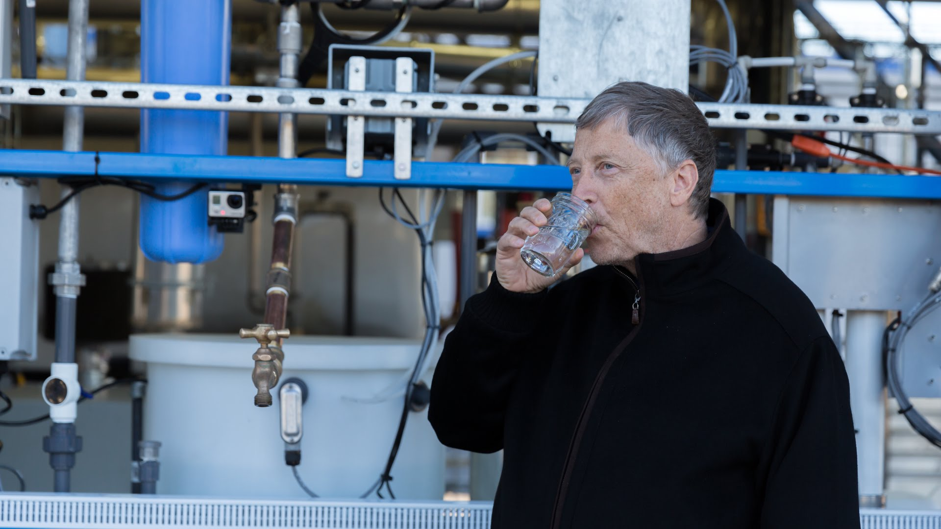 Bill Gates Pulls Drinking Water Out Of His Butt – Machine Transforms Human Poop into Water, Electricity