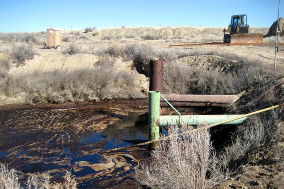 Colorado: Chevron Oil Pipeline Spill Contaminates Stinking Water Creek Tributary Killing Wildlife